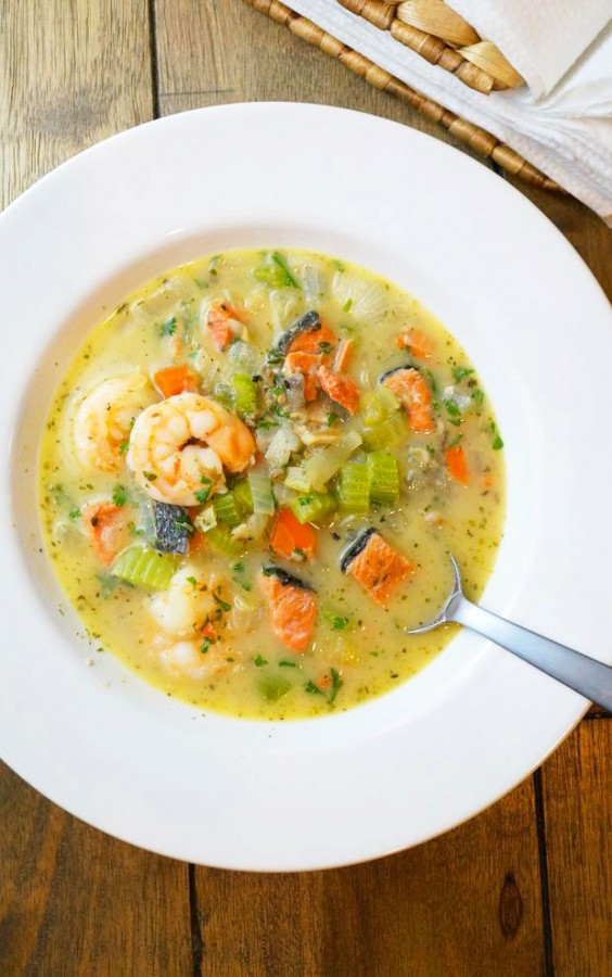 Whole30 Dinner Recipes: Triple Seafood Chowder