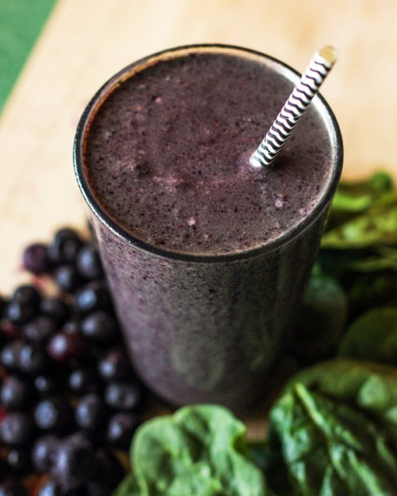 Blueberry and Peanut Butter Green Smoothie