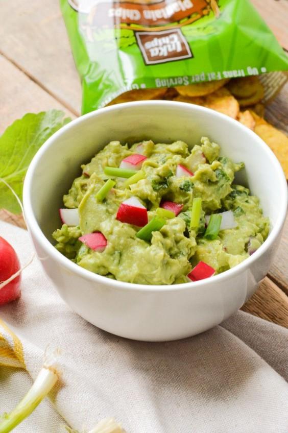 Paleo Snacks: Springtime Guacamole