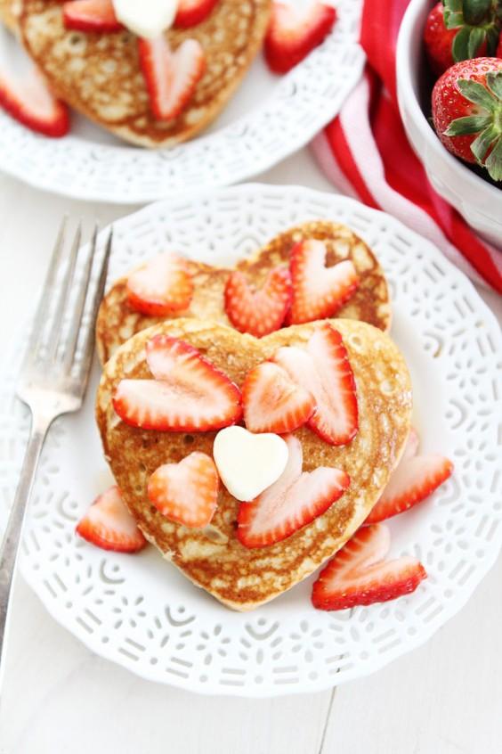 Valentine breakfast: Pancakes