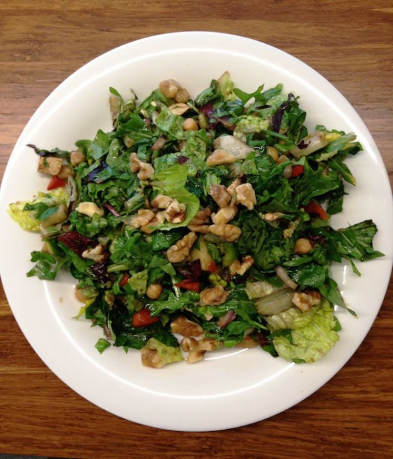 Olympian Lunch: Arugula salad with tofu and walnuts