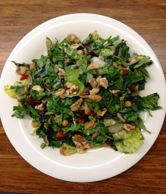 Olympian Lunch: Arugula salad with tofu and walnuts