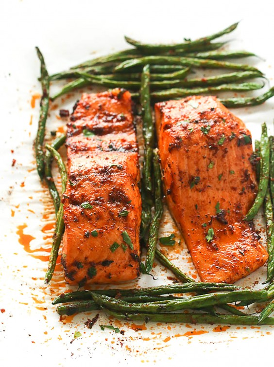 Paleo recipes 24 easy and delicious dinners greatist paleo dinners paprika salmon and green beans forumfinder Images