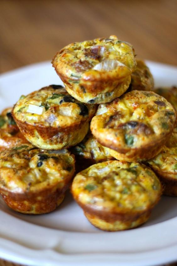 Paleo Snacks: Kitchen Sink Egg Muffins