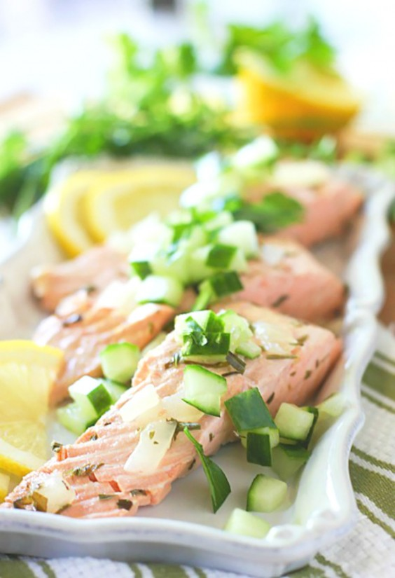 Whole30 Lunches: Easy Poached Salmon