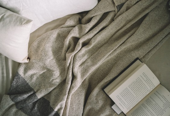 27 EASY WAYS TO SLEEP BETTER TONIGHT - COMFORTABLE ENVIRONMENT