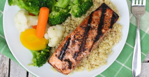 Maple-Glazed Grilled Salmon | Greatist