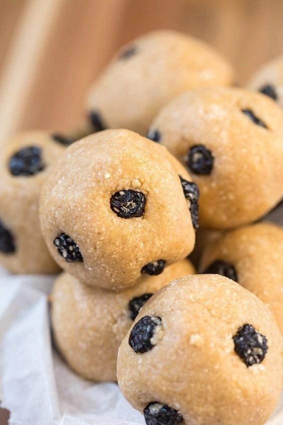 No-Bake Blueberry Energy Balls