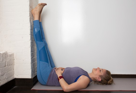 Prenatal Yoga 12 Soothing Poses For Pregnant Women Greatist