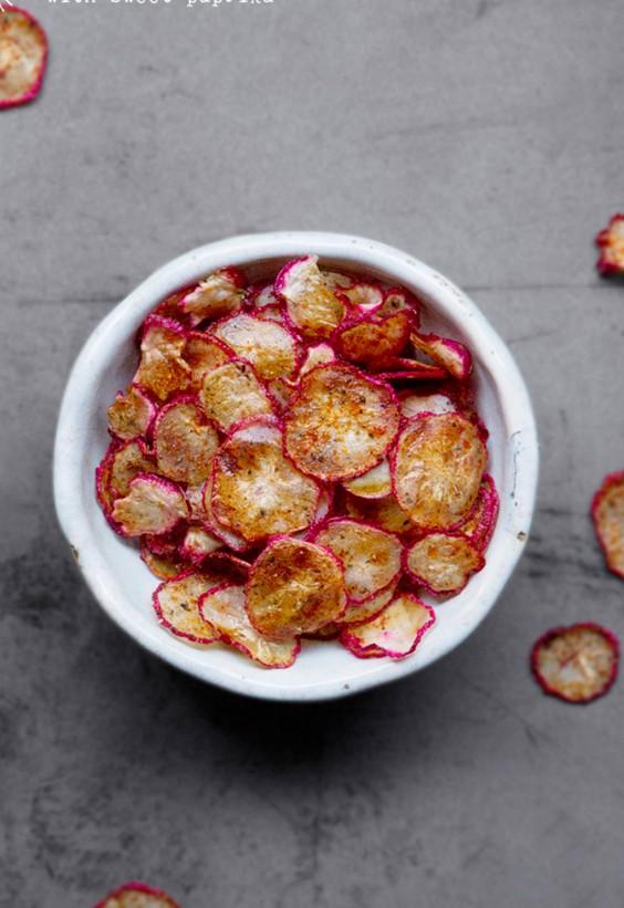 veg as carbs: Baked Radish Chips