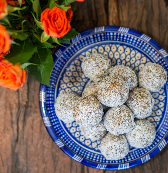 Raw Salted Caramel Protein Balls