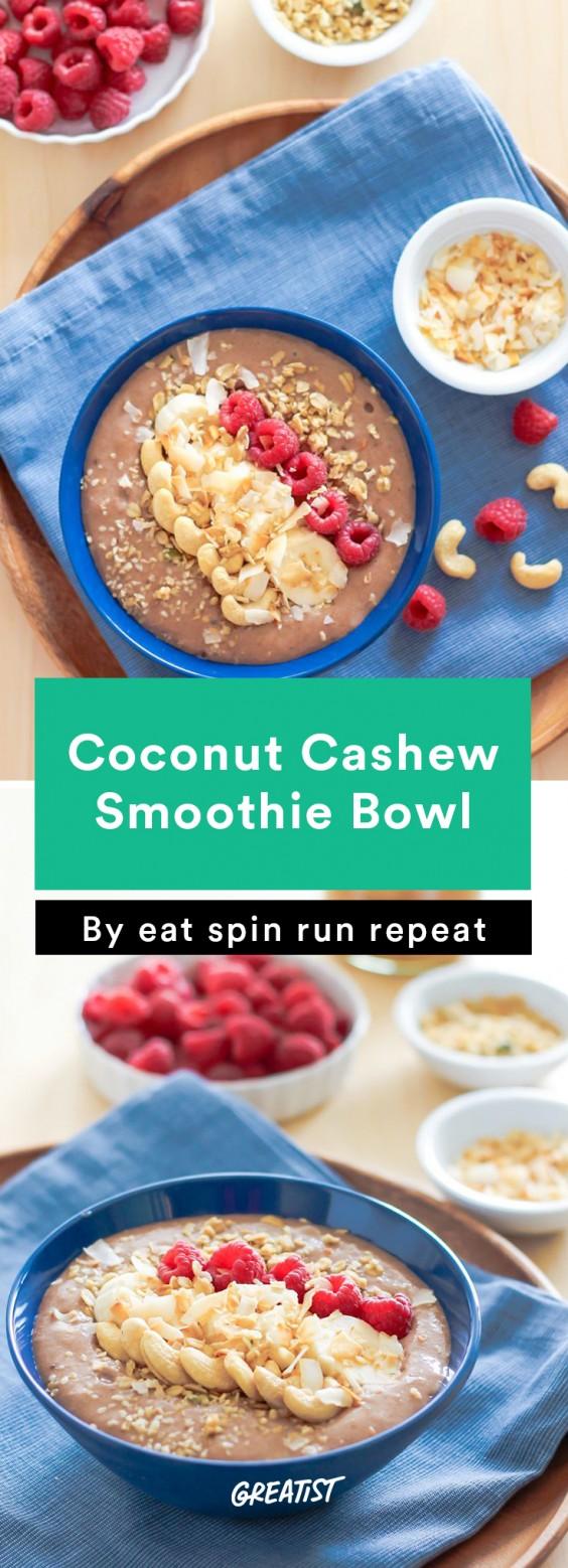 Coconut Cashew Smoothie Bowl