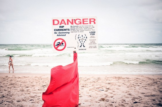 Stay Safe At the Beach — 13 Tips for Preventing Injury and