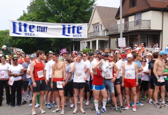 Races That Involve Booze - Riverwest Beer Run