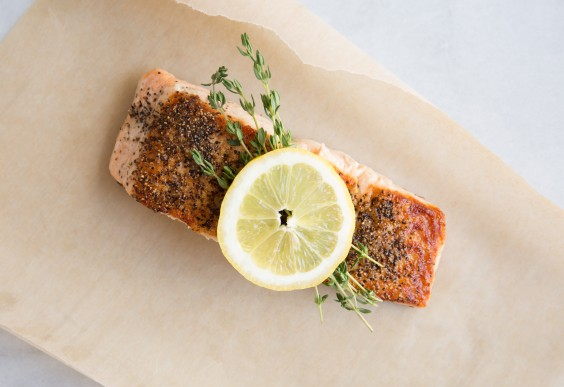 How to cook salmon on the stove greatist salmon with lemon ccuart Gallery