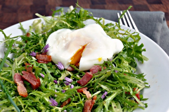 34 Cheap and Healthy Meals for You and Yours: Salad Lyonnais
