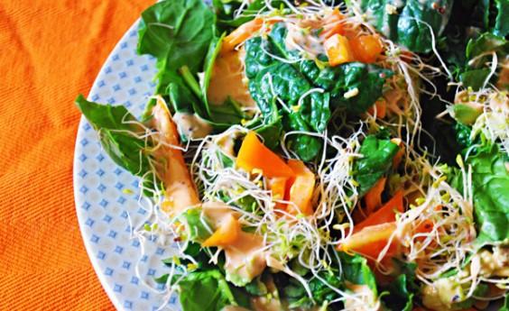 Healthy Recipe: California Spinach Salad