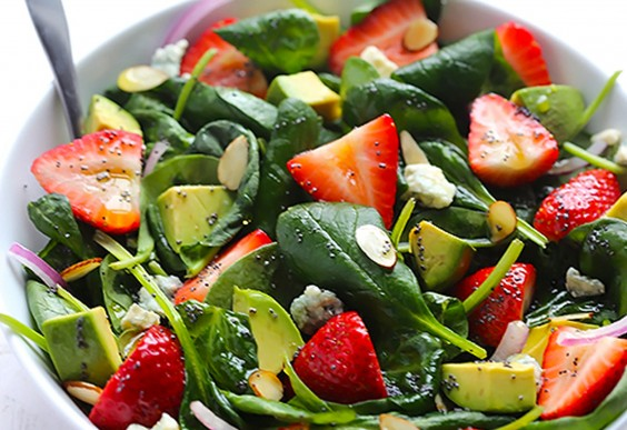 19. Avocado Strawberry Spinach Salad With Poppyseed Dressing