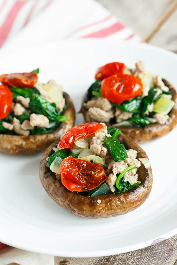 Paleo Dinners: Ground Turkey and Spinach Stuffed Mushrooms