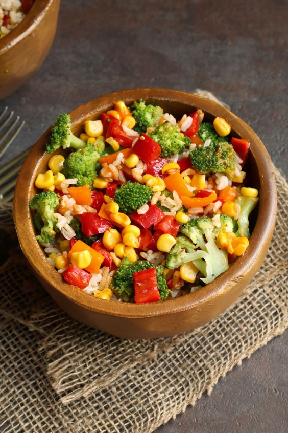 Delicious healthy food ideas - Healthy Grain Bowls Roasted Broccoli And Rice Bowl With Chipotle Red Peppers