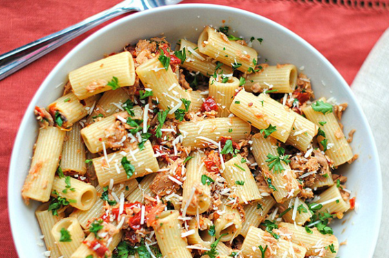 Tuna Rigatoni with Sun Dried Tomatoes