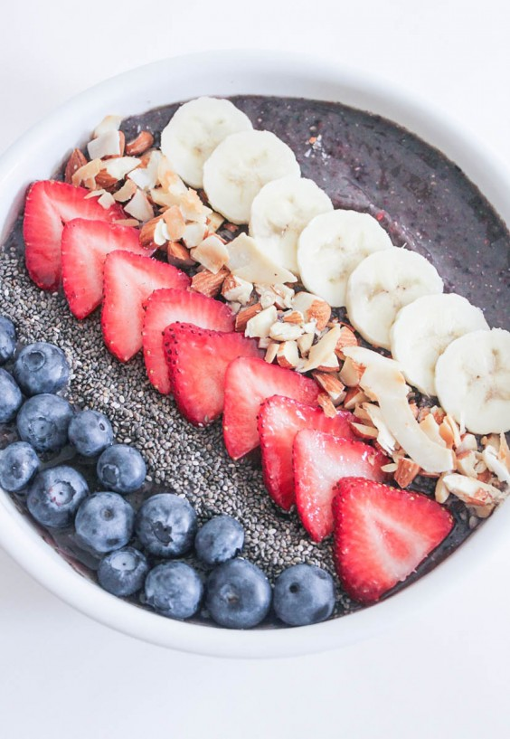 Vegan Berry Crunch Smoothie Bowl