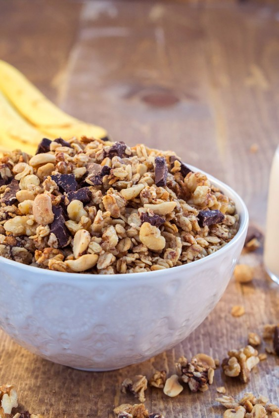 Homemade Granola Recipes: Chunky Monkey Granola