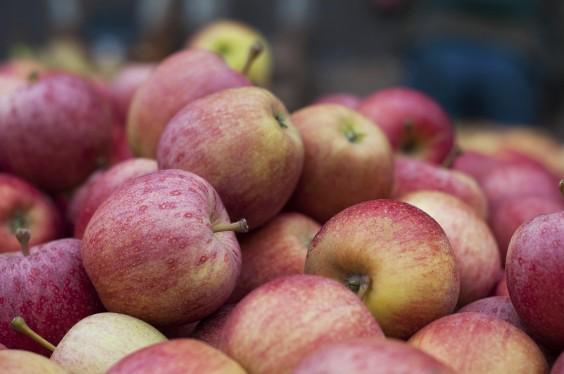 Under Dollar Foods: Apples
