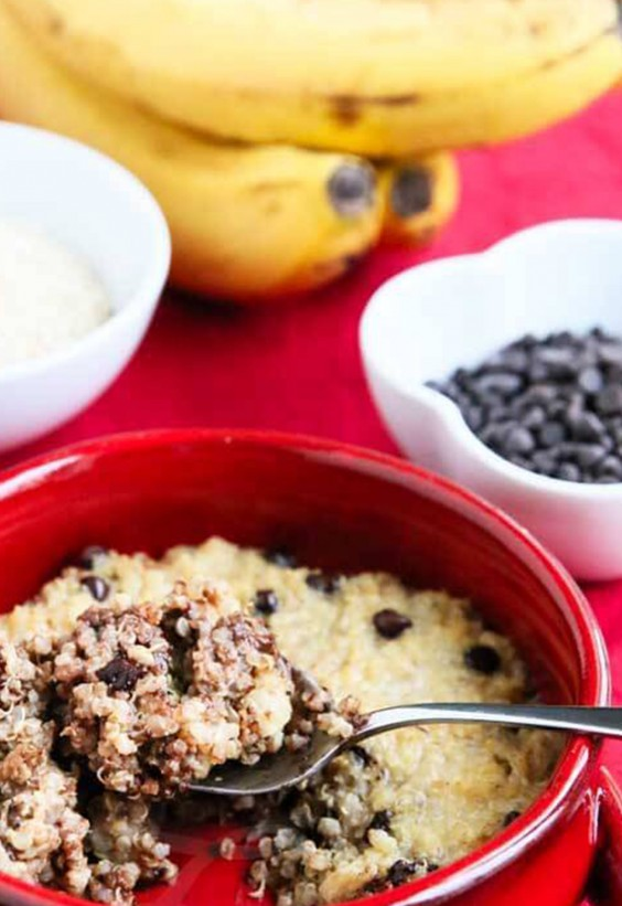 Quinoa Breakfast Bake: Banana Quinoa