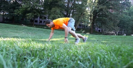 Greatist Workout of the Day: Bear Crawl