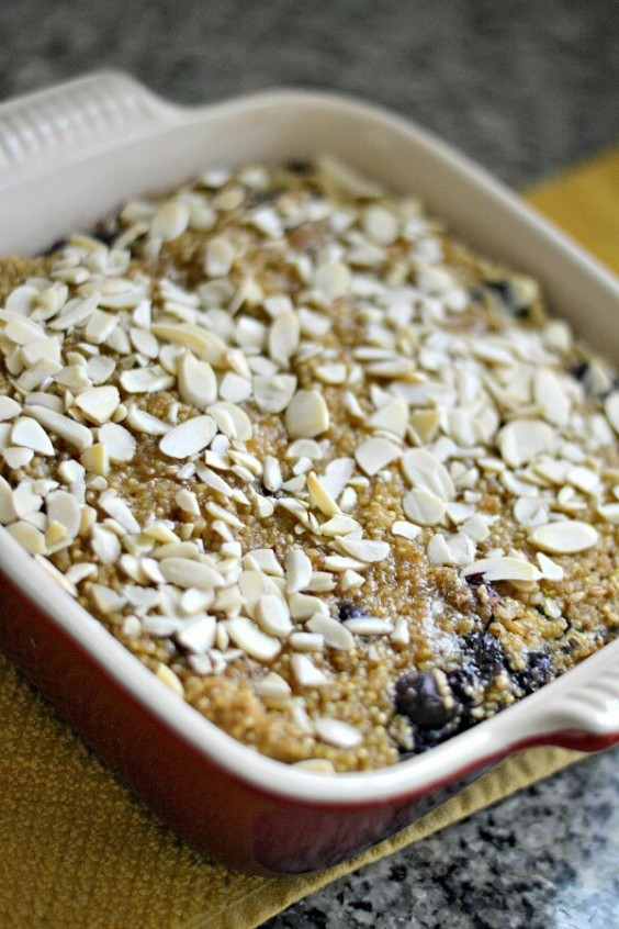 Quinoa Breakfast Bake: Blueberry and Banana