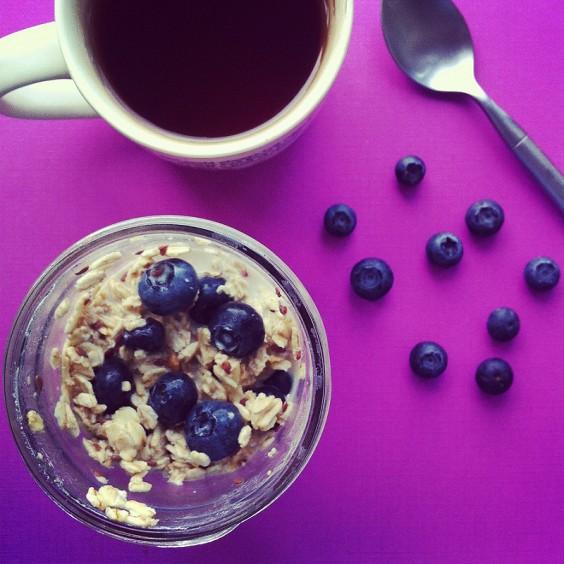 Dorm Food: Overnight Blueberry Maple Oatmeal