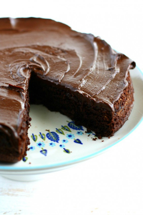 Veg Desserts: Chocolate Beet Cake with Chocolate Avocado Frosting