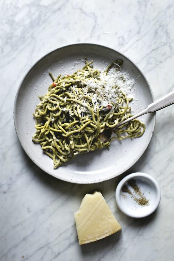 Matcha Spaghetti With Chili and Cheese