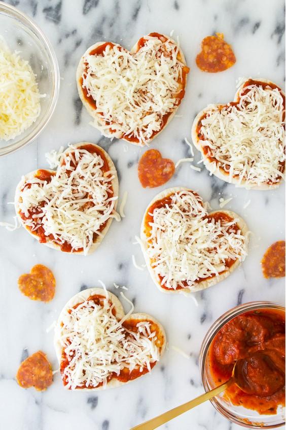Valentine breakfast: pizza
