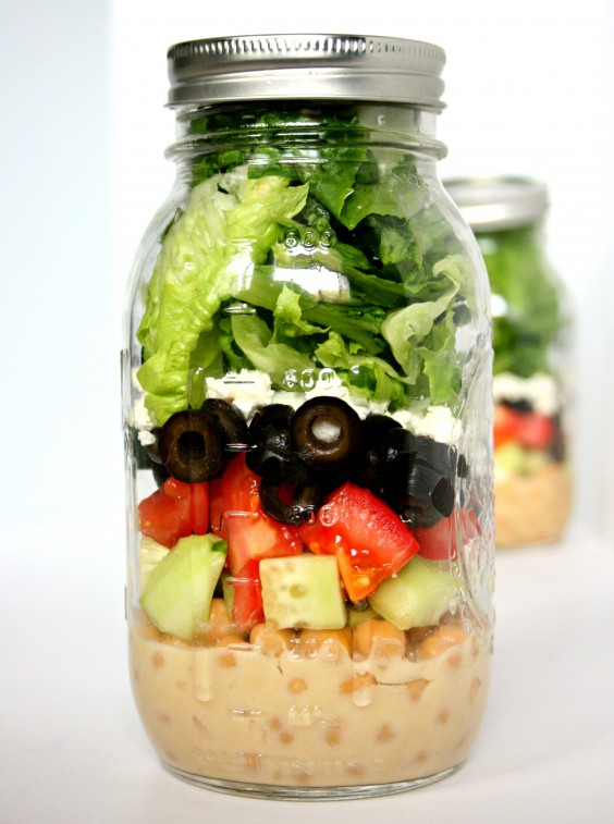 Dorm Food: Mason Jar Greek Salad