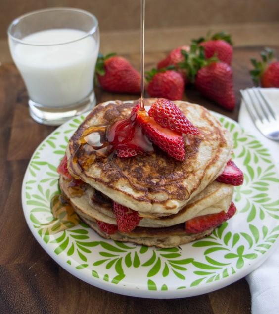 Protein Pancakes: Strawberry Greek Yogurt