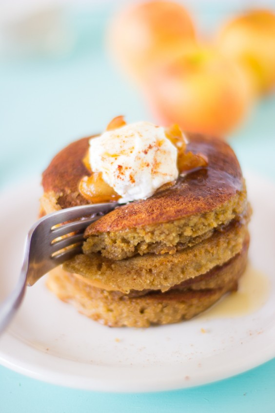 Thanksgiving Breakfast: Apple Pie Pancakes