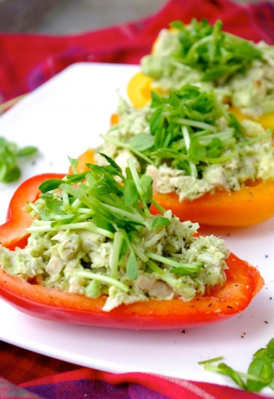Veggie Boats: Avo-Chicken Salad Red Pepper