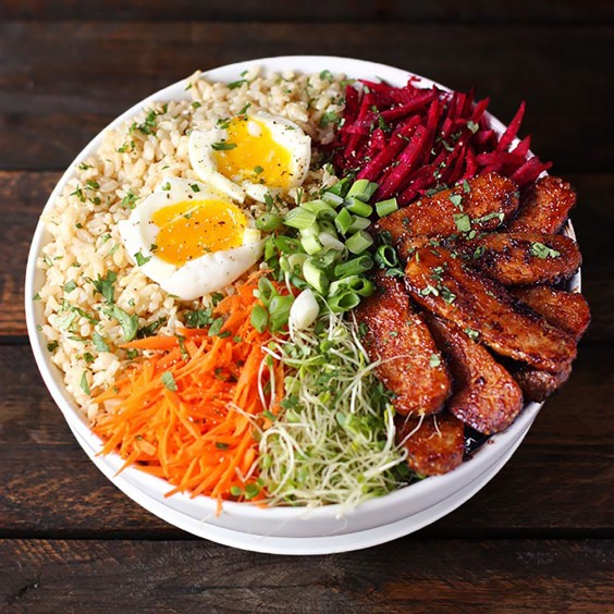 Healthy Grain Bowls: Smoky Tempeh Vegetable and Rice Bowl