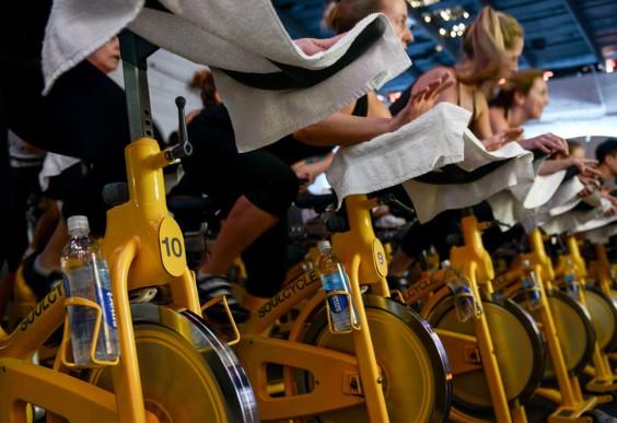 soulcycle - IS FIETSEN OP EEN HOME TRAINER OF SPINNING FIETS NET ZO GOED ALS FIETSEN IN DE BUITENLUCHT?