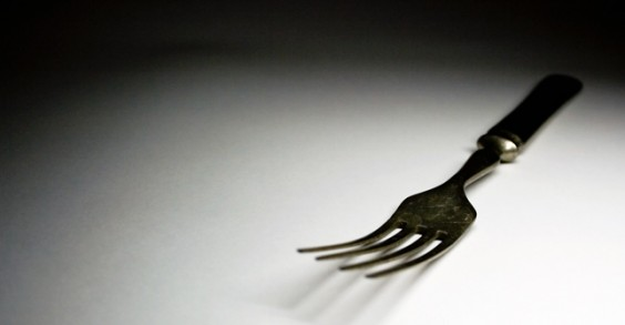 Will Eating at Night Make Me Gain Weight? | Greatist