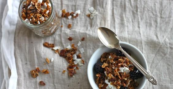 Healthy Breakfast Recipe: Coconut Granola