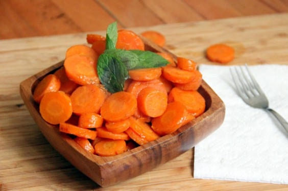 Recipe: Maple-Glazed Carrots