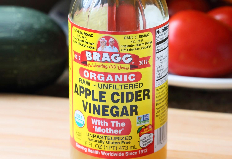 apple cider vinegar uses 26 genius benefits greatist. Black Bedroom Furniture Sets. Home Design Ideas