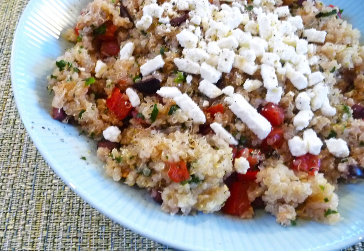 Greek Quinoa Salad Recipe With Olives and Tomatoes | Greatist