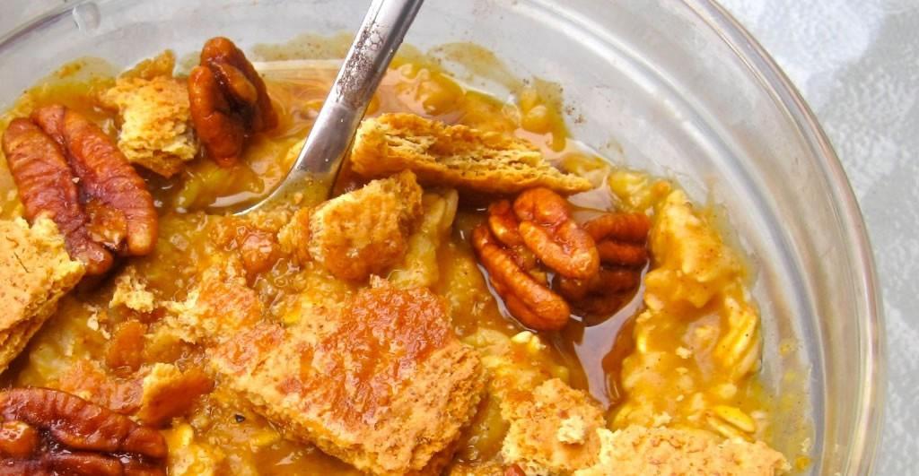 Easy Pumpkin Pie Oatmeal Recipe | Greatist