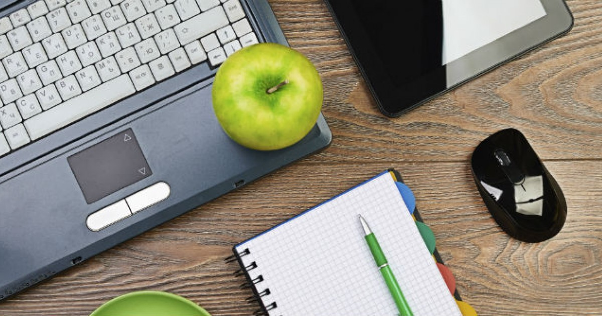Feng shui the ultimate guide to organizing your desk to increase