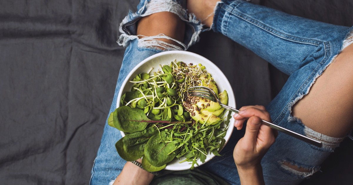 pros and cons of vegetarian diet Pros and cons of vegetarian diet vegetarian diets are based on cereals, whole grains, pulses, nuts, vegetables and fruits lacto-ovo-vegetarians do not consume any meat, poultry or fish but include eggs and dairy products in their diets.