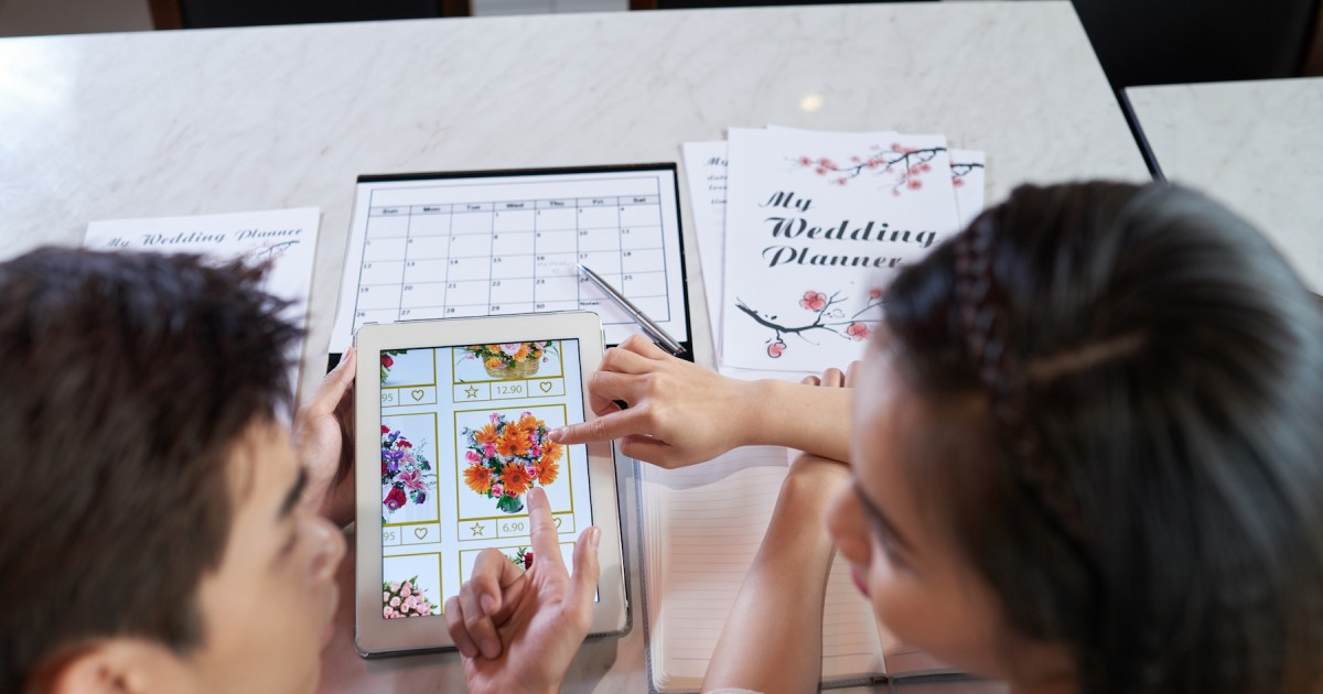 Bust Wedding Stress: How to Stay Sane When Wedding Planning